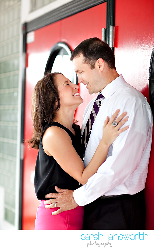 heights-couples-shoot-anniversary-shoot-colorful-balloons-menil-collection-veronica-patrick03
