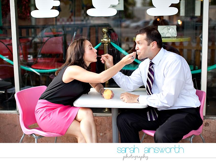 heights-couples-shoot-anniversary-shoot-colorful-balloons-menil-collection-veronica-patrick06