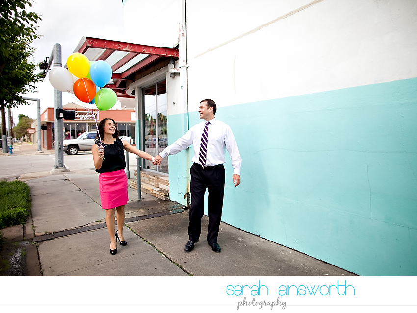 heights-couples-shoot-anniversary-shoot-colorful-balloons-menil-collection-veronica-patrick08