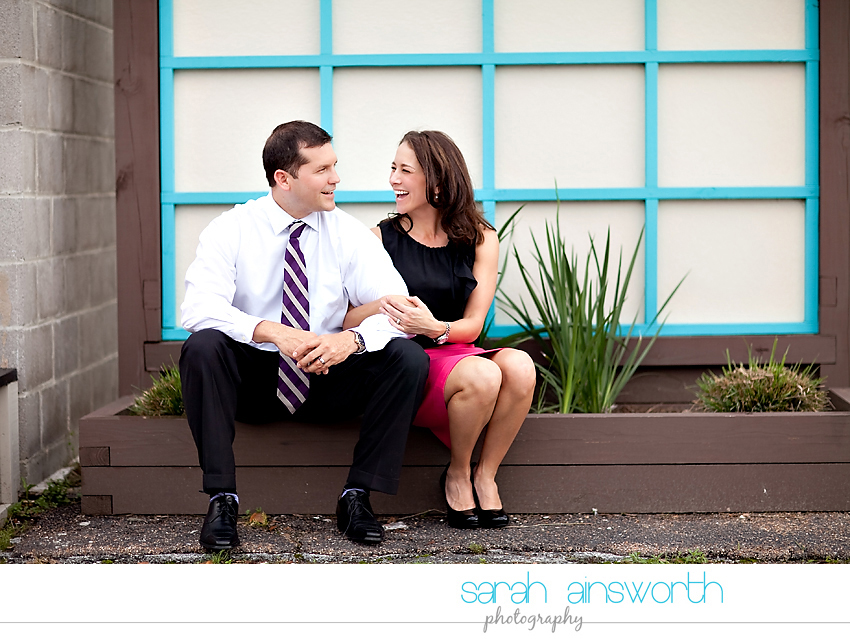 heights-couples-shoot-anniversary-shoot-colorful-balloons-menil-collection-veronica-patrick10