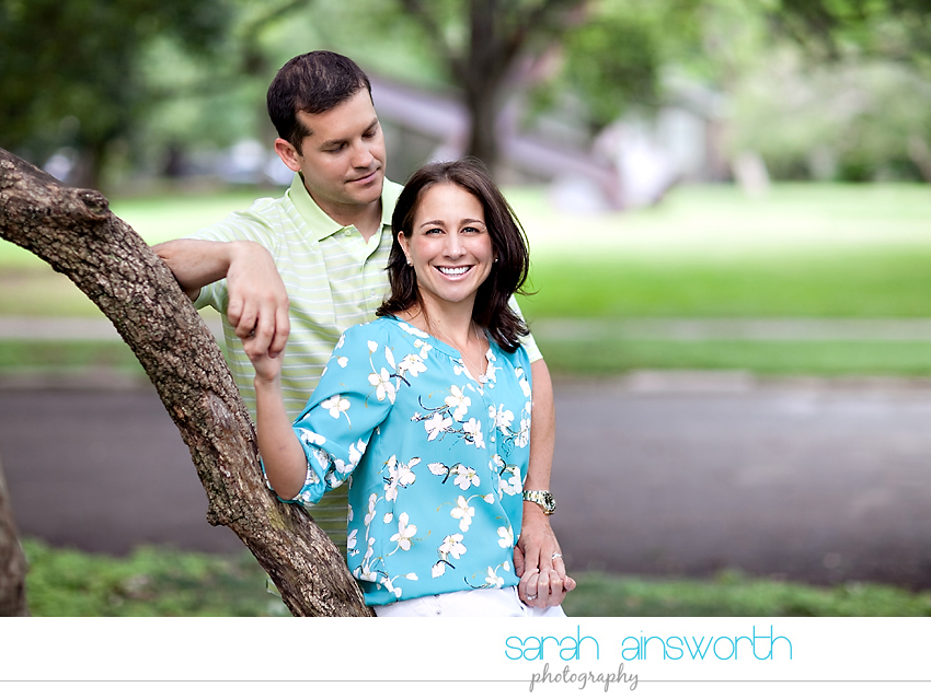 heights-couples-shoot-anniversary-shoot-colorful-balloons-menil-collection-veronica-patrick12
