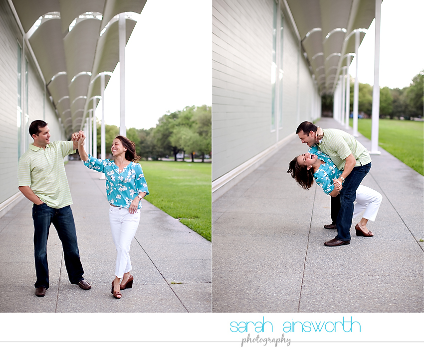 heights-couples-shoot-anniversary-shoot-colorful-balloons-menil-collection-veronica-patrick14