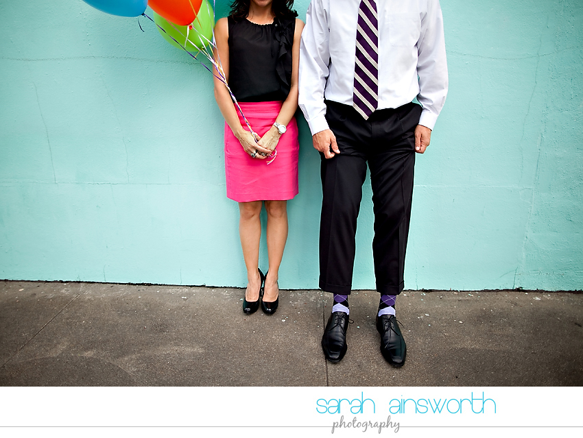 heights-couples-shoot-anniversary-shoot-colorful-balloons-menil-collection-veronica-patrick19