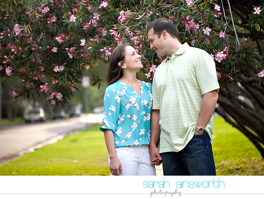 heights-couples-shoot-anniversary-shoot-colorful-balloons-menil-collection-veronica-patrick20