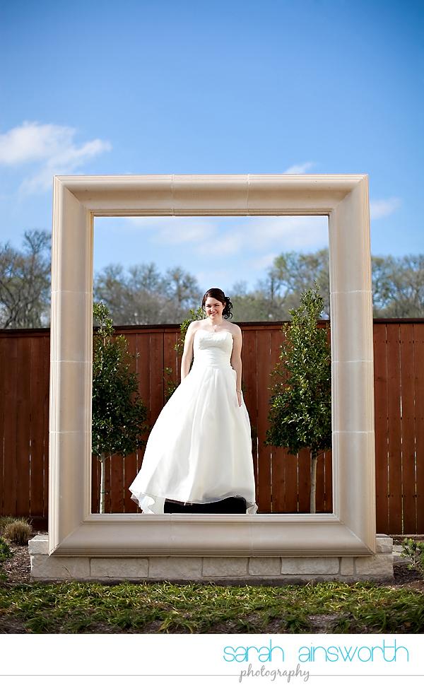 houston-wedding-photographer-briscoe-manor-wedding-bridal-portraits-nicole013