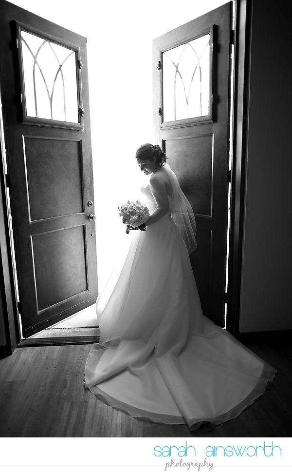 houston-wedding-photographer-briscoe-manor-wedding-bridal-portraits-nicole014
