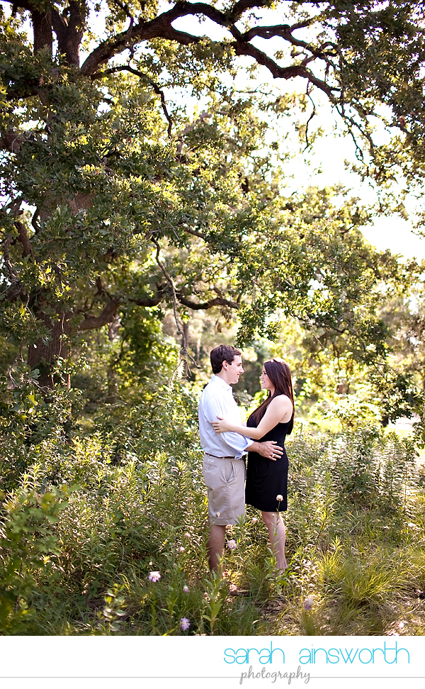 houston-wedding-photography-montrose-library-engagement-pictures-telephone-booth-ainsley-aaron011