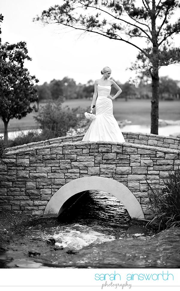 houston-wedding-photographer-royal-oaks-country-club-wedding-bridal-portriats-sara012