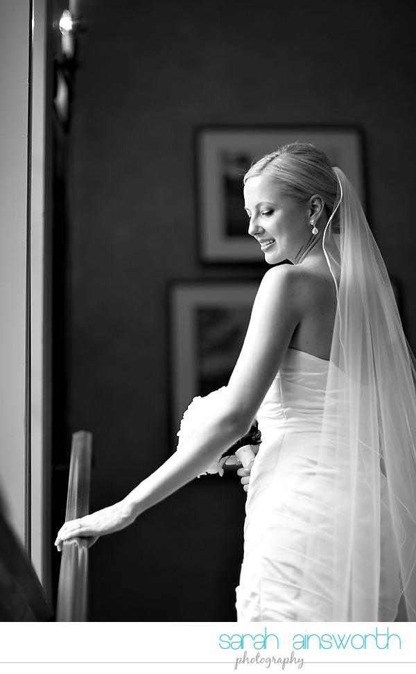 houston-wedding-photographer-royal-oaks-country-club-wedding-bridal-portriats-sara014