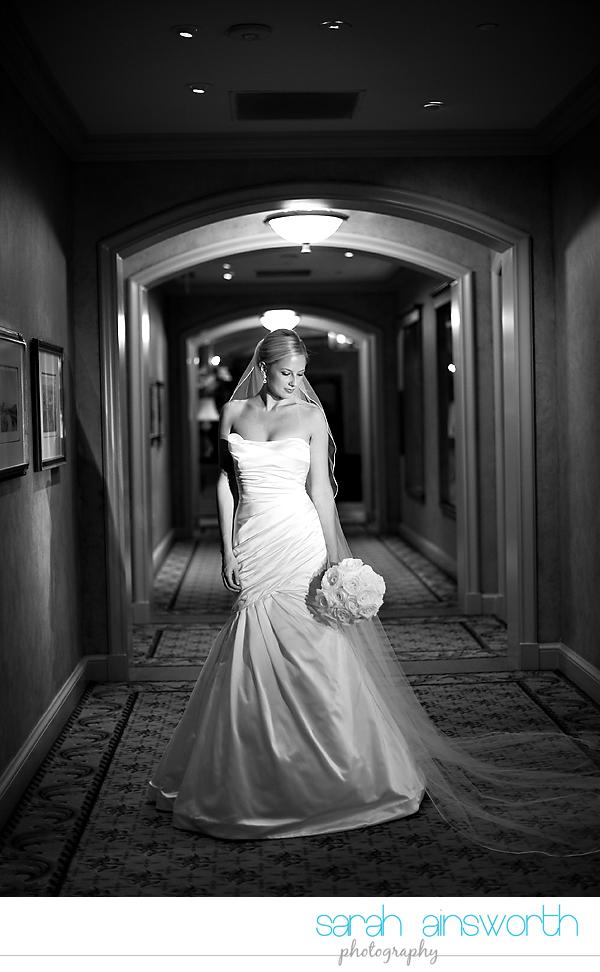 houston-wedding-photographer-royal-oaks-country-club-wedding-bridal-portriats-sara016