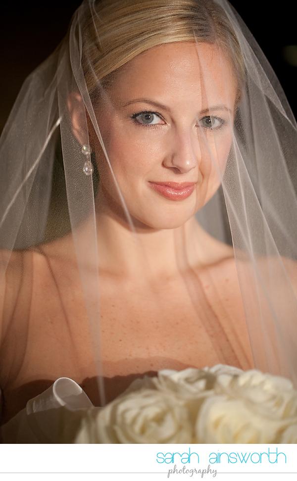 houston-wedding-photographer-royal-oaks-country-club-wedding-bridal-portriats-sara017
