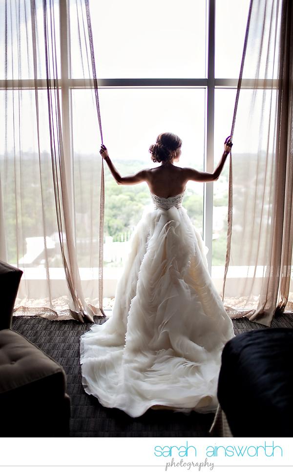 houston-wedding-photographer-hotel-zaza-petroleum-club-wedding-westminister-methodist17