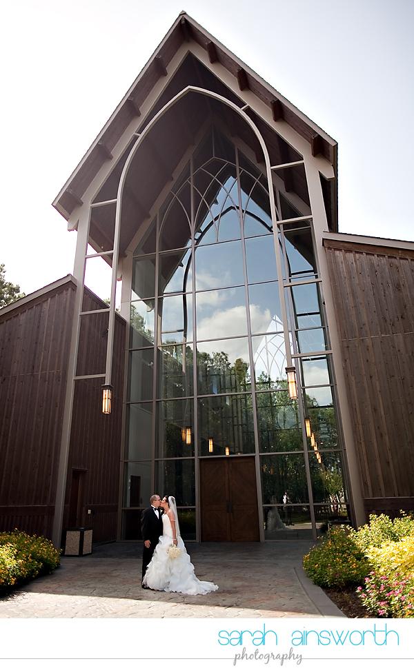 houston-wedding-photography-chapel-in-the-woods-the-woodlands-waterway-marriott22