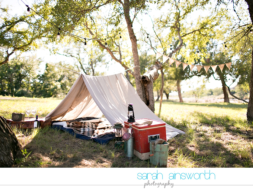 houston-wedding-photographer-fall-engagement-pictures-camping-styled-shoot-brenna-mason003