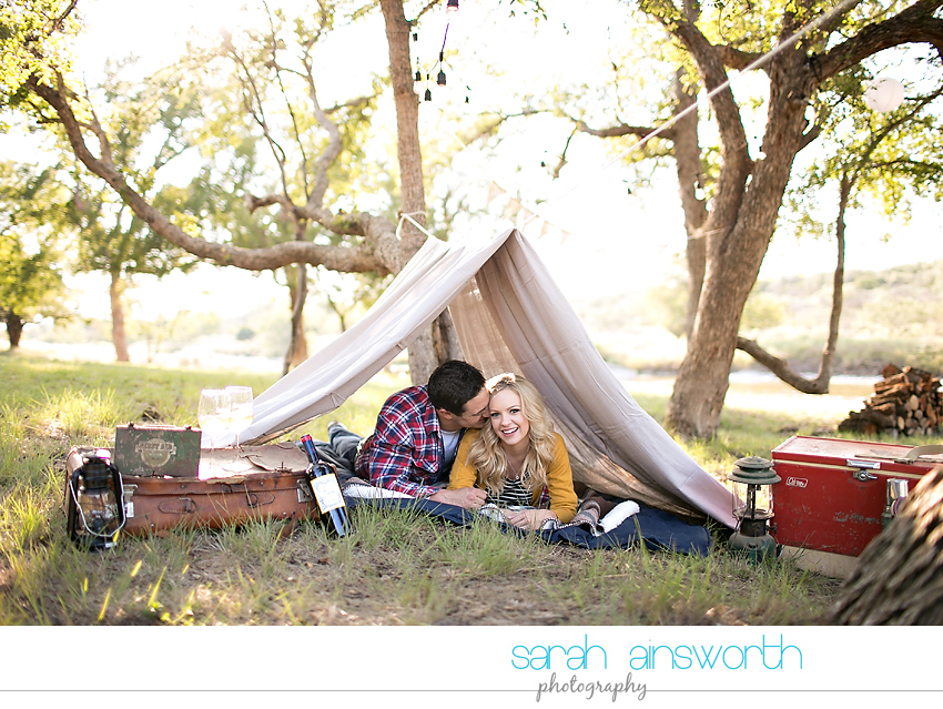 houston-wedding-photographer-fall-engagement-pictures-camping-styled-shoot-brenna-mason026