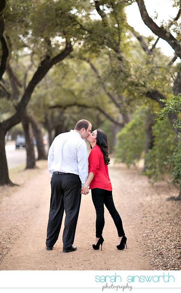 houston-wedding-photographer-hermann-park-engagement-kayla-brandon010