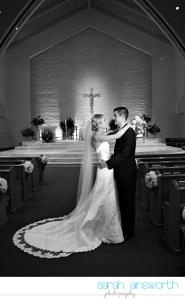 houston-wedding-photography-hotel-sorella-st-john-vianney-ellanesque-liz-robert032