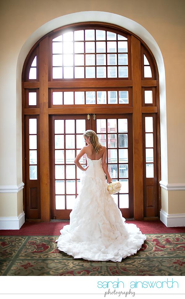houston-wedding-photography-crystal-ballroom-wedding-bridals-rice-hotel-cindy009