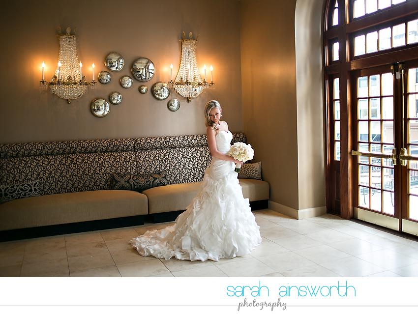 houston-wedding-photography-crystal-ballroom-wedding-bridals-rice-hotel-cindy013