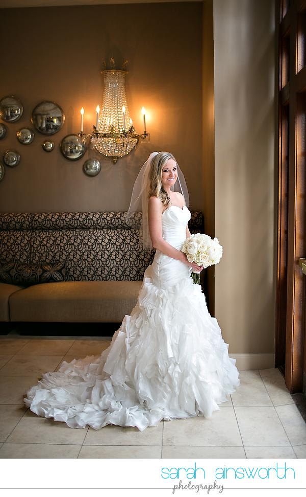 houston-wedding-photography-crystal-ballroom-wedding-bridals-rice-hotel-cindy020
