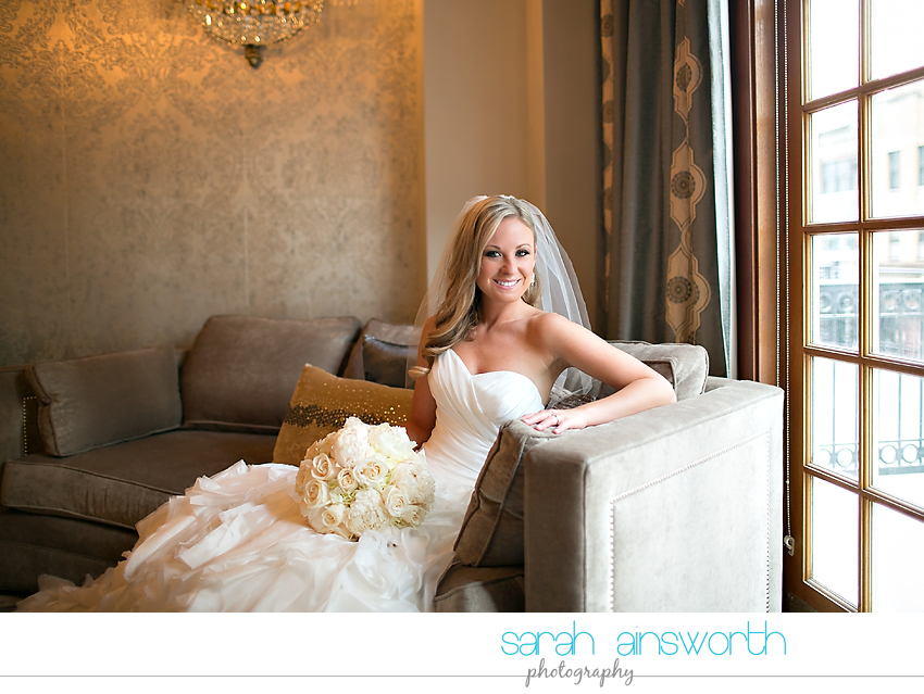 houston-wedding-photography-crystal-ballroom-wedding-bridals-rice-hotel-cindy024