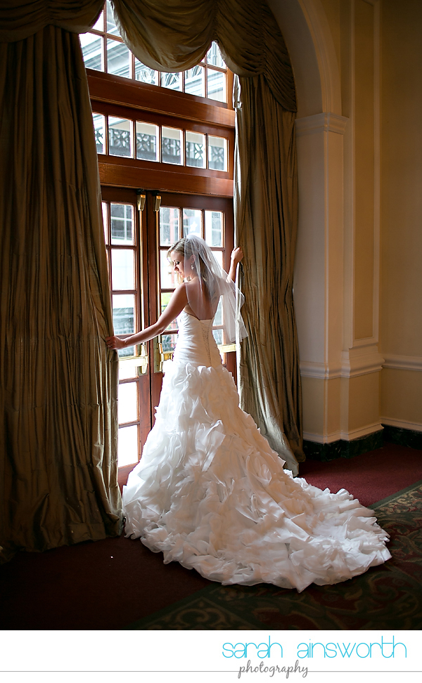 houston-wedding-photography-crystal-ballroom-wedding-bridals-rice-hotel-cindy025