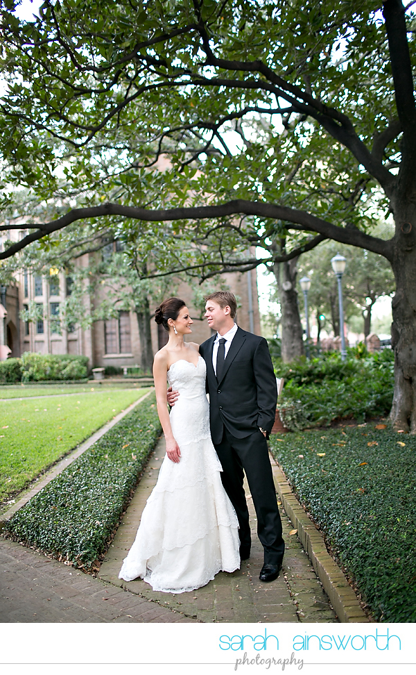 houston-wedding-photography-christ-church-cathedral-crystal-ballroom-wedding-rice-hotel-wedding-magnolia-hotel-wedding-rebecca-chris010