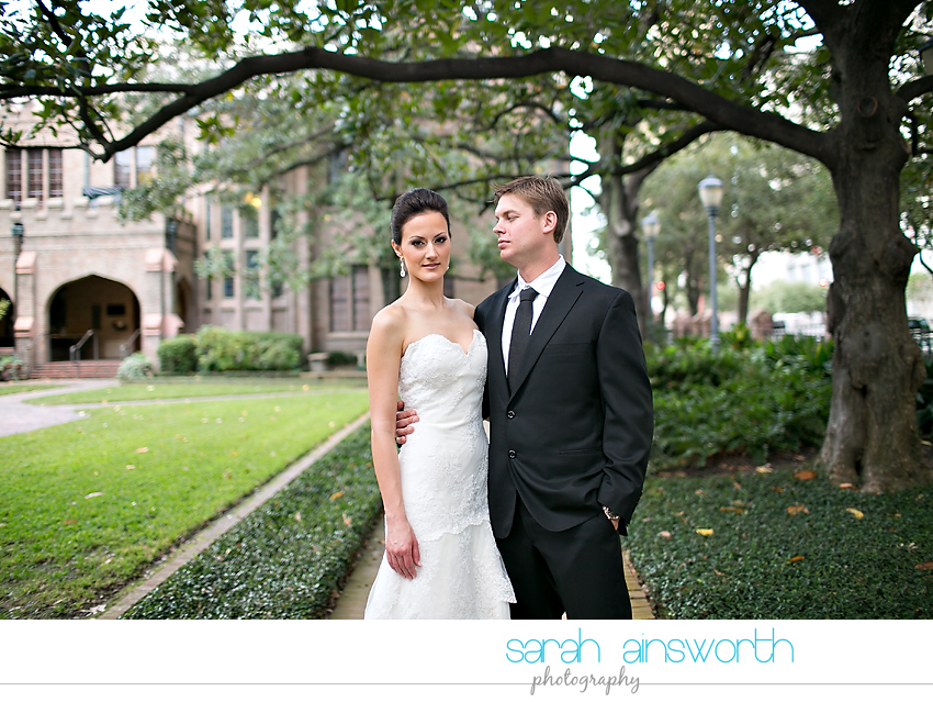 houston-wedding-photography-christ-church-cathedral-crystal-ballroom-wedding-rice-hotel-wedding-magnolia-hotel-wedding-rebecca-chris015