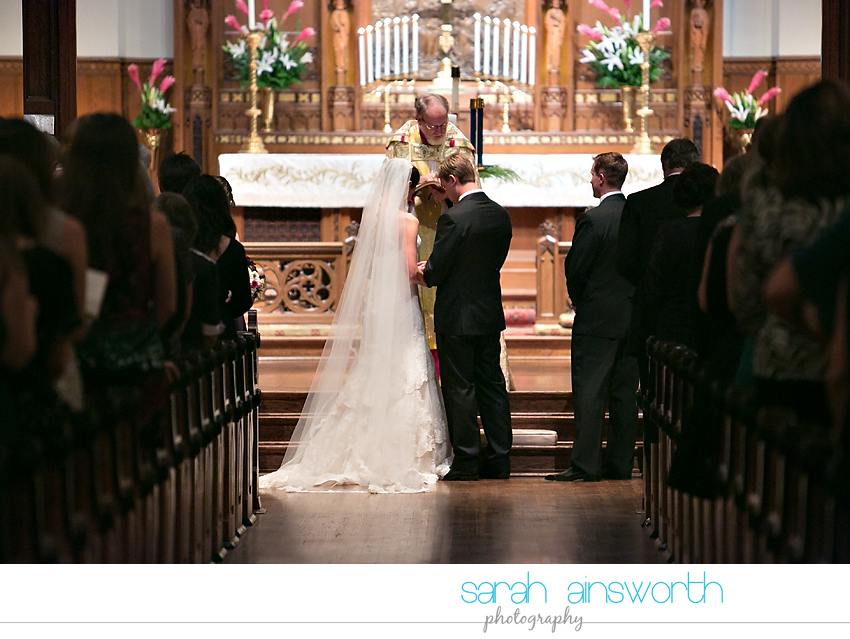 houston-wedding-photography-christ-church-cathedral-crystal-ballroom-wedding-rice-hotel-wedding-magnolia-hotel-wedding-rebecca-chris036