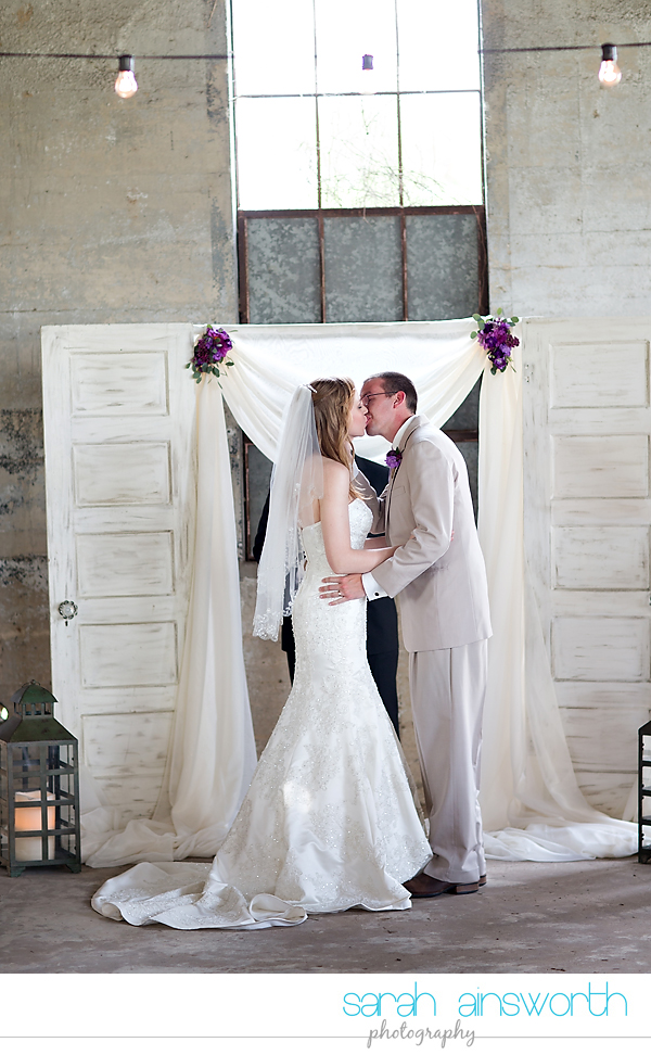 montgomer-wedding-photographer-olde-dobbin-station-wedding-amanda-brenton0034