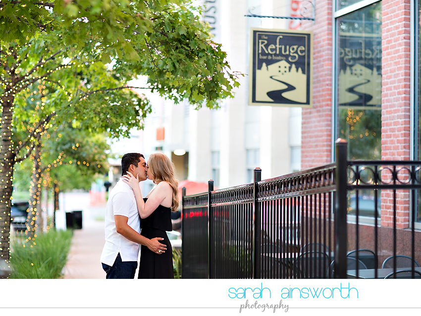 the-woodlands-wedding-photographer-market-street-the-woodlands-waterway-engagement-pictures-meghan-phil20