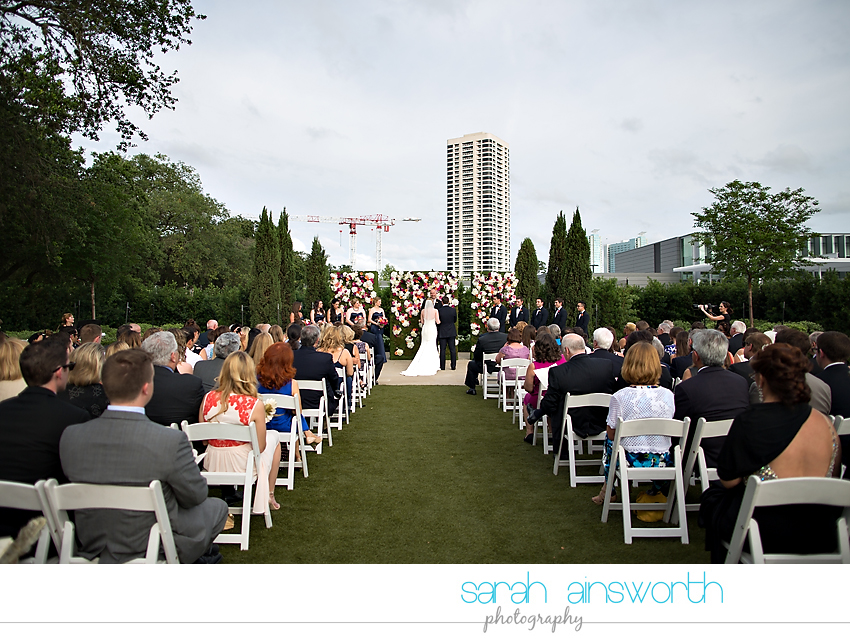 houston-wedding-photographer-mcgovern-centennial-gardens-petroleum-club-of-houston-wedding-sydney-joey0021