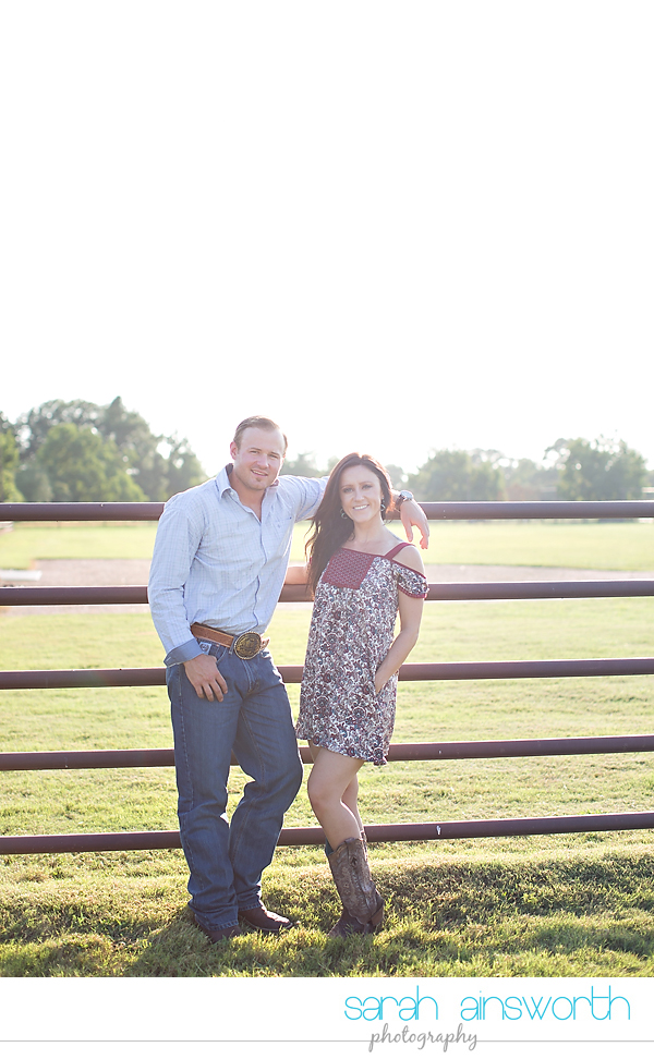 moffitt-oaks-wedding-tomball-wedding-photographer-tomball-rustic-engagement-pictures-natalie-justin007