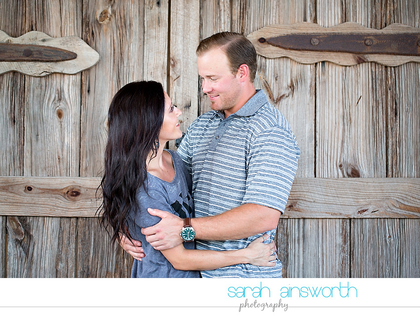moffitt-oaks-wedding-tomball-wedding-photographer-tomball-rustic-engagement-pictures-natalie-justin015
