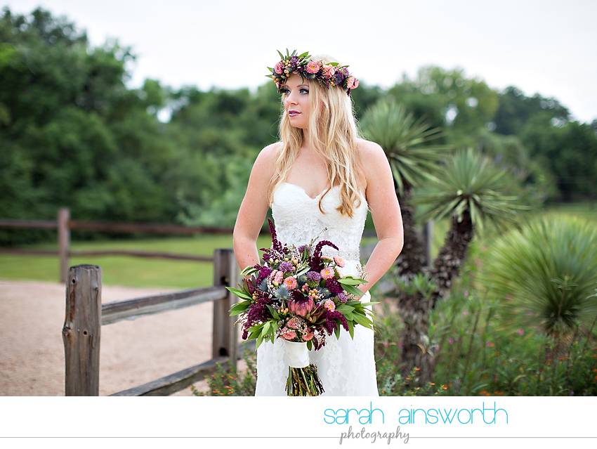 houston-wedding-photographer-fall-wedding-floral-crown-houston-photography-workshop-moffitt-oaks-wedding-jessica008