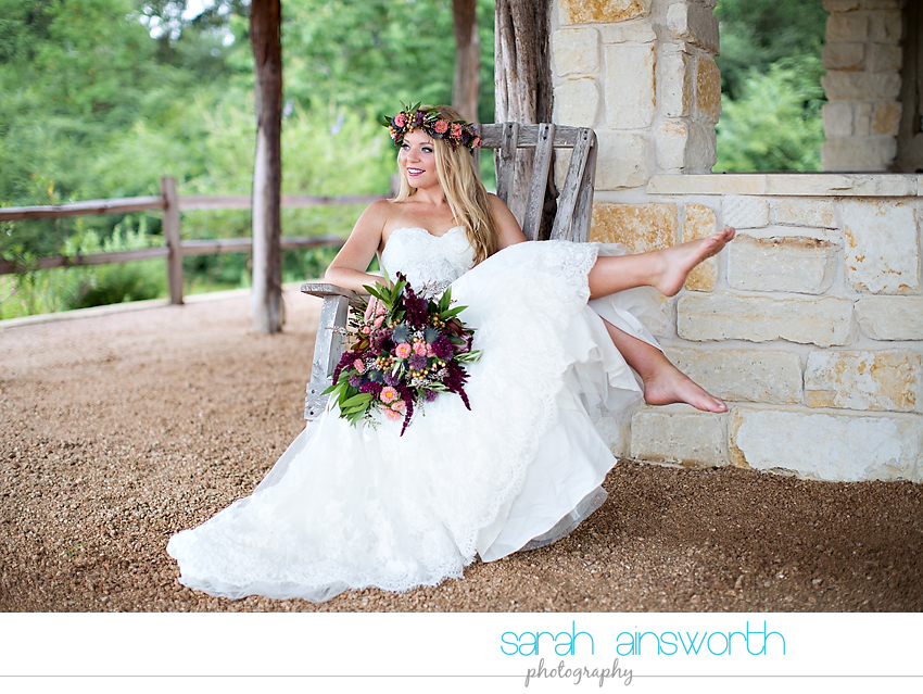 houston-wedding-photographer-fall-wedding-floral-crown-houston-photography-workshop-moffitt-oaks-wedding-jessica014