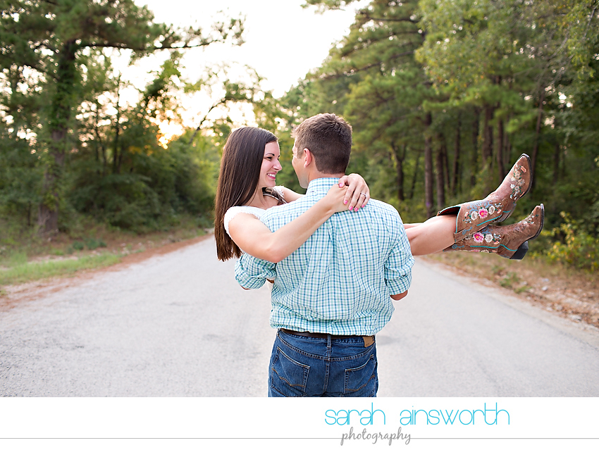 huntsville-wedding-photographer-the-blue-lagoon-engagement-pictures-courtney-neil15