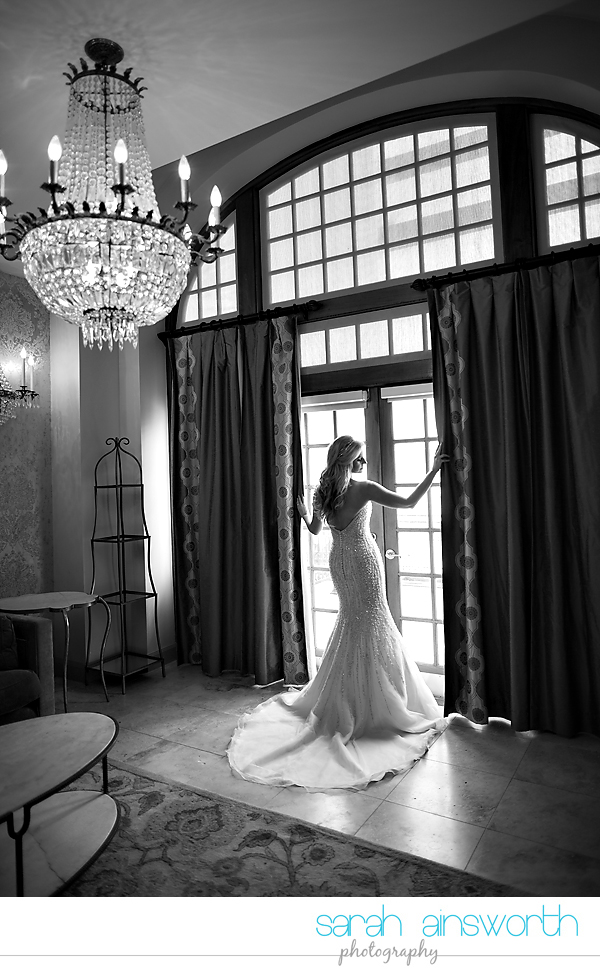 houston-wedding-photographer-crystal-ballroom-wedding-houston-bridals-downtown-houston-wedding-rice-hotel-sarah007