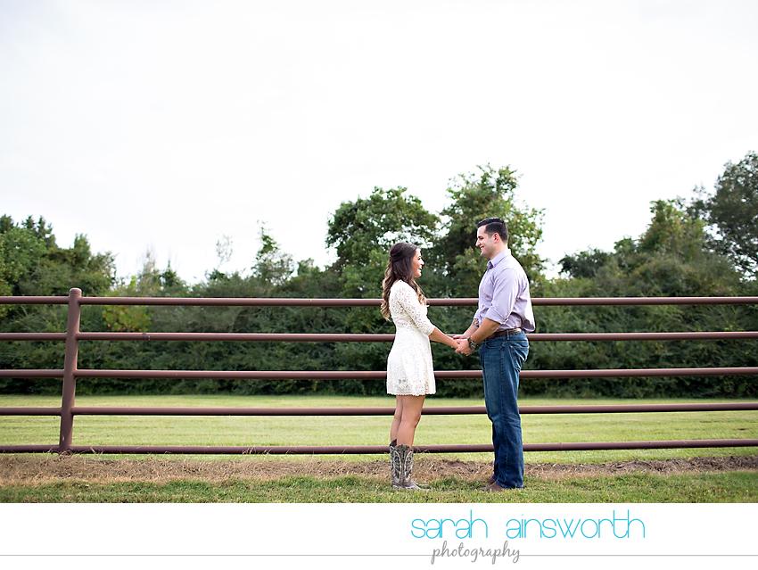 tomball-wedding-photographer-moffitt-oaks-wedding-rustic-houston-wedding-venue-kristina-tyler010