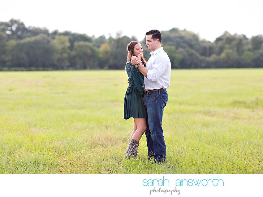tomball-wedding-photographer-moffitt-oaks-wedding-rustic-houston-wedding-venue-kristina-tyler012