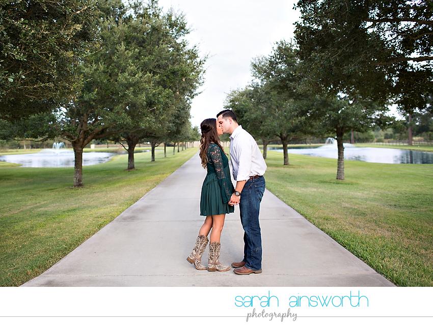 tomball-wedding-photographer-moffitt-oaks-wedding-rustic-houston-wedding-venue-kristina-tyler018