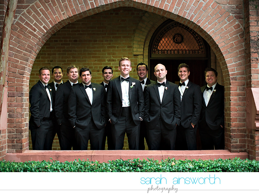 houston-wedding-photographer-christ-church-cathedral-petroleum-club-of-houston-wedding-photographer-charlotte-chris013