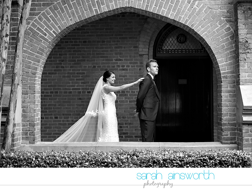 houston-wedding-photographer-christ-church-cathedral-petroleum-club-of-houston-wedding-photographer-charlotte-chris014