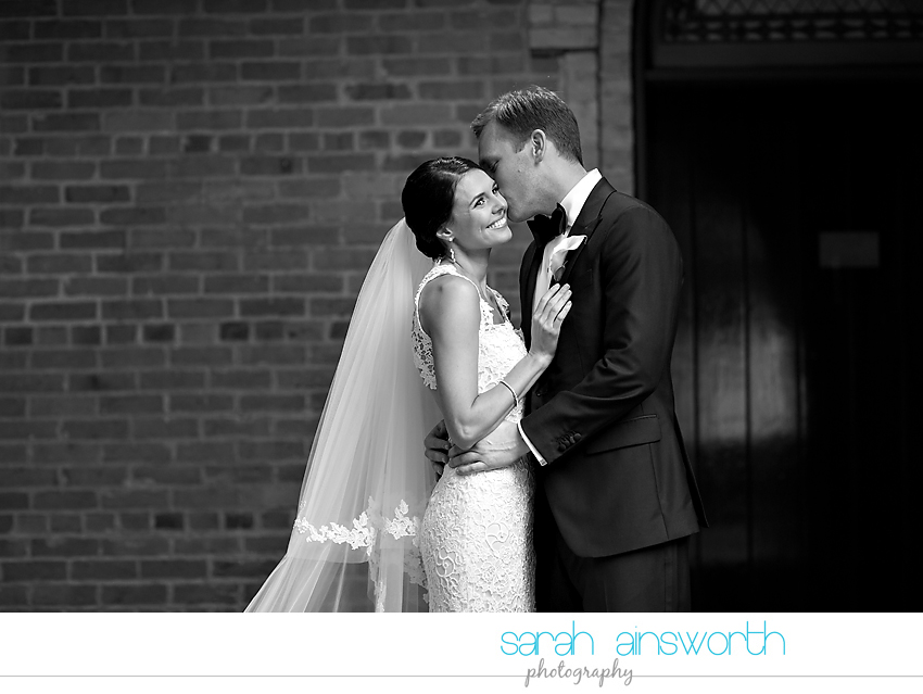houston-wedding-photographer-christ-church-cathedral-petroleum-club-of-houston-wedding-photographer-charlotte-chris015