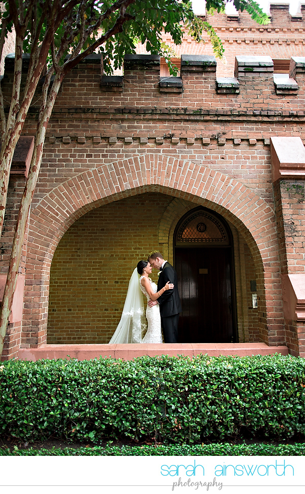houston-wedding-photographer-christ-church-cathedral-petroleum-club-of-houston-wedding-photographer-charlotte-chris018