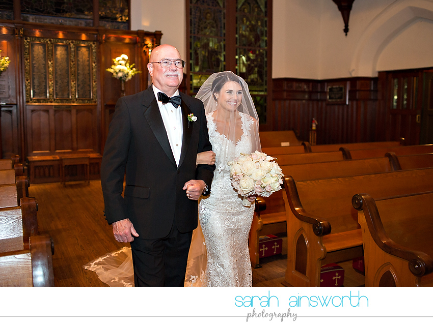 houston-wedding-photographer-christ-church-cathedral-petroleum-club-of-houston-wedding-photographer-charlotte-chris019