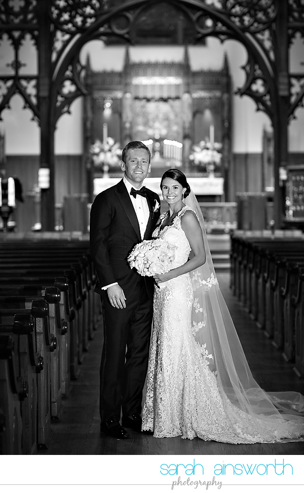 houston-wedding-photographer-christ-church-cathedral-petroleum-club-of-houston-wedding-photographer-charlotte-chris023