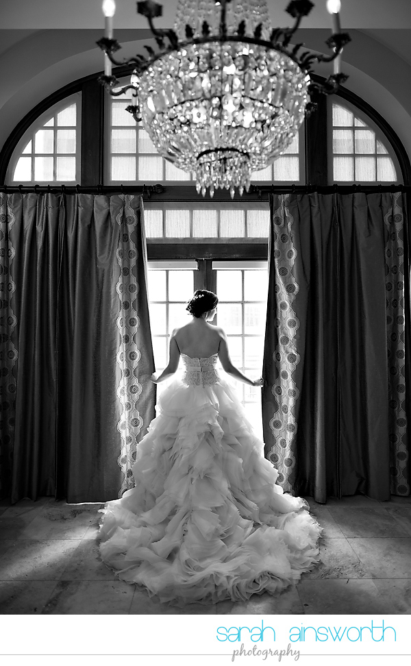 houston-wedding-photographer-crystal-ballroom-wedding-bridal-pictures-rice-hotel-annie002