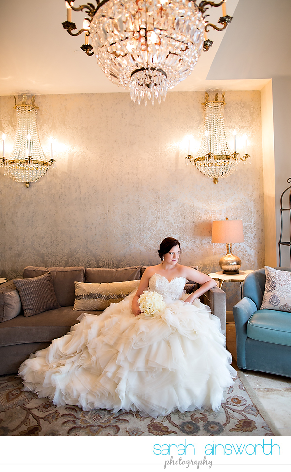 houston-wedding-photographer-crystal-ballroom-wedding-bridal-pictures-rice-hotel-annie008