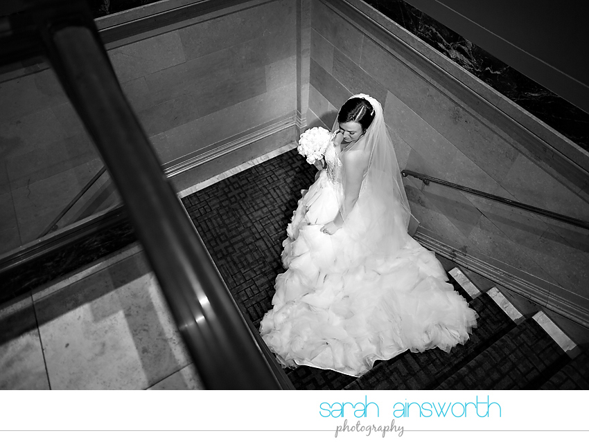 houston-wedding-photographer-crystal-ballroom-wedding-bridal-pictures-rice-hotel-annie010
